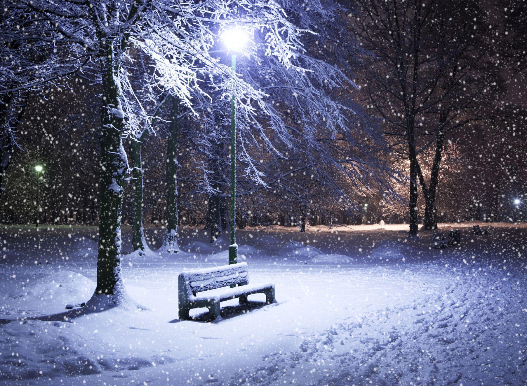 почему идет снег